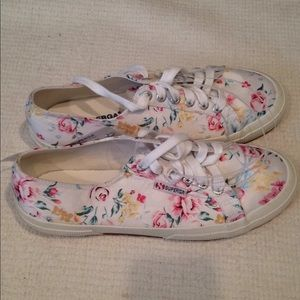 Size 7 Superga flower print shoes